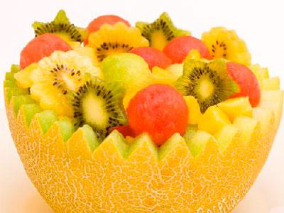ensalada-de-fruta-en-melon