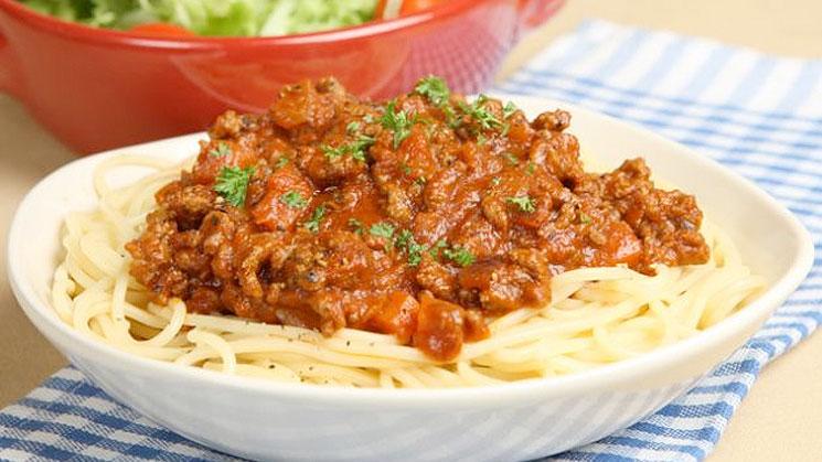 espaguetis-a-la-boloñesa