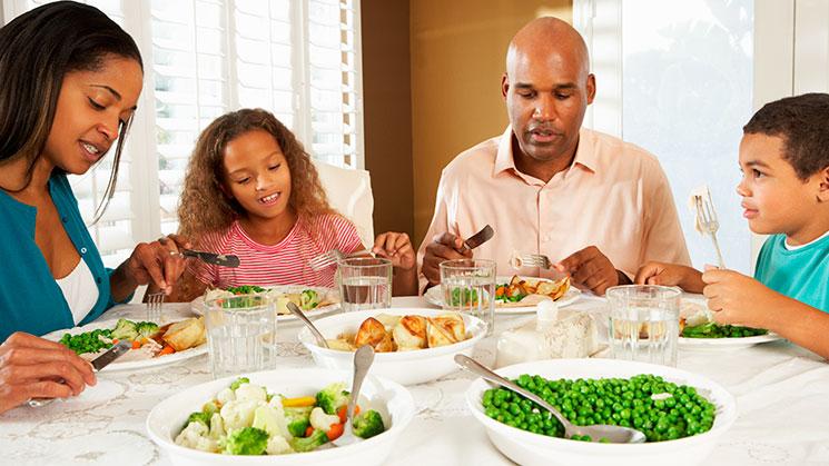 familias-almuerzan