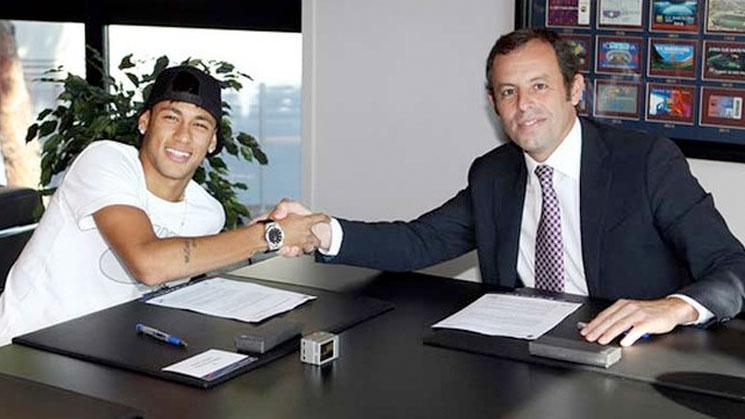 neymar-firmando-el-contrato